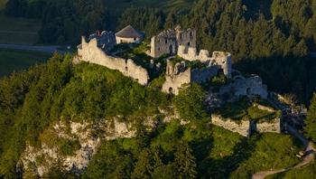 Schlosser Burgen Landhaus Wildschutz Urlaub In Jungholz Tirol Allgau